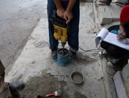 Compaction Test by Vibrating Hammer